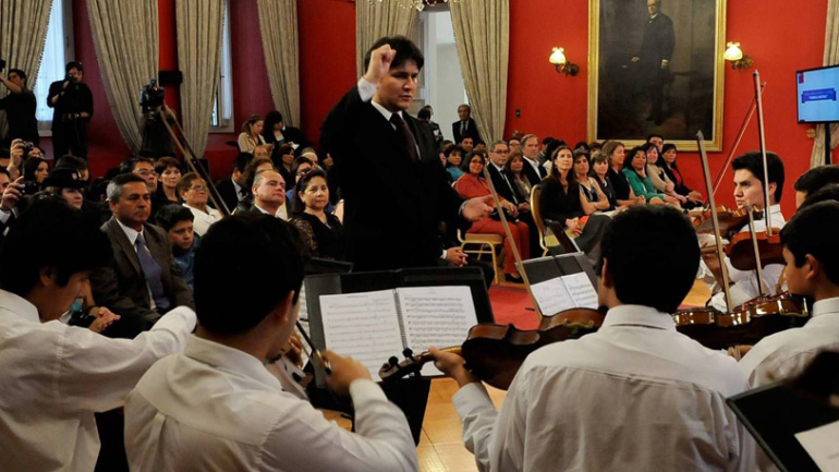 Fernando Saavedra, director de la orquesta del Colegio Nocedal desde el año 2007